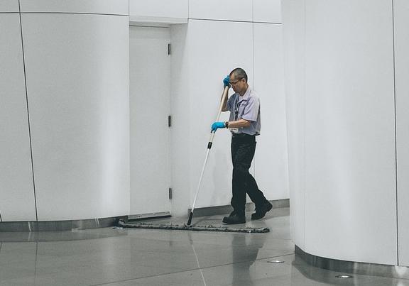 Hausmeisterdienst, Reinigung, Raumdienst